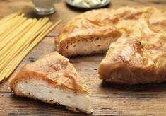 χωριάτικη μακαρονοπιτα με γάλα, αυγά και γιαουρτι παραδοσιακή πιτα με χωριάτικο φύλλο Christmas Cooking, Food Categories, Greek Recipes, Recipies, Bread, Pizza, Random, Google, Pie