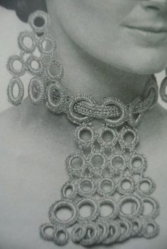 Absolutely love the boldness of this vintage #crochet jewelry - so graphic!!