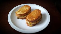 Baked Grilled Cheese Pesto Sandwich - use thinly sliced cheese (Gouda, cheddar), brown berry wheat vs sourdough?