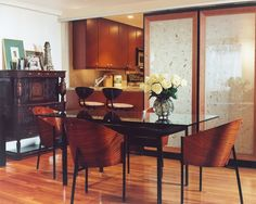 Dining area to kitchen.