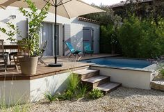 piscine semi enterr e design piscines carr bleu piscine semi enterr e pinterest piscine. Black Bedroom Furniture Sets. Home Design Ideas