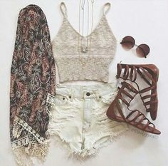 Tan Knit Top and Light Denim Shorts with Kimono and Brown Boho Sandals Hippie Outfits, Teen Fashion Outfits, Boho Fashion, High Fashion, Fashion Beauty, Cute Casual Outfits, Short Outfits, Stylish Outfits, Summer Outfits Women