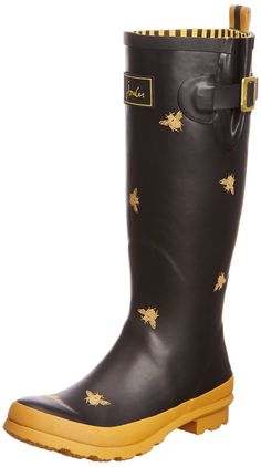 Make a splash with the Joules Welly Print Women's Rubber Rain Boots. These rain boots feature: made of waterproof rubber, printed rain boot featuring logo on shaft and expanding inset with adjustable buckle strap, pull on loop at back shaft and lugged rubber outsole, full print inside lining with removable cushioned insole. Joules is a British fashion and lifestyle brand that sells clothing, footwear, accessories and home products inspired by British country lifestyles. In 1989 Tom Joule…