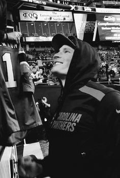 53e79eb73 That smile He's a heartbreaker, easy to see why his fans lov him so much (  including me). Lauren Whitley · Luke Kuechly