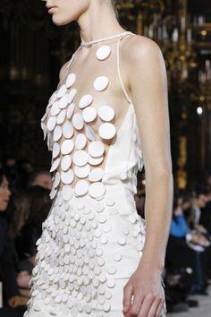 Stella McCartney Fall 2011 Ready-to-Wear Fashion Show Couture Mode, Couture Fashion, Runway Fashion, Womens Fashion, Paris Fashion, Fashion Details, Look Fashion, Fashion Show, Fashion Design