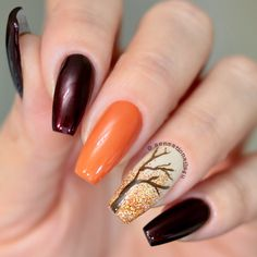 Fall in Love with these 38 cute Autumn Fall Nail Designs - Inspired Beauty Fall Nail Designs, Autumn Nail Arts, Autumn nails are just as versatile as other seasons, give these ideas a try this season , you will love Halloween Nail Designs, Fall Nail Designs, Nail Polish Designs, Simple Nail Designs, Halloween Nails, Halloween Coffin, Halloween Ideas, Fall Acrylic Nails, Fall Nail Art