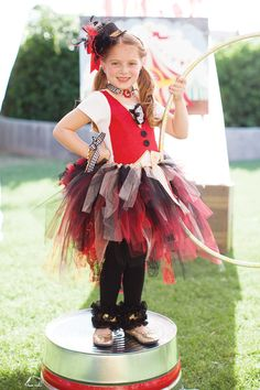 kids-party-circus-ring-leader
