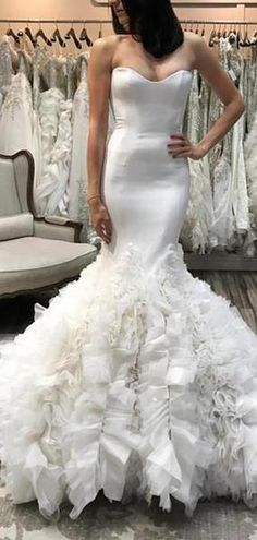 The classic A line dress is among the bridal gown. Of all the bridal gown on the market today A line wedding gowns are the very best. Formal Dresses For Weddings, Wedding Dress Trends, Wedding Dresses Plus Size, Wedding Dress Shopping, Wedding Dress Styles, Designer Wedding Dresses, Dress Formal, Perfect Wedding Dress, Cheap Wedding Dress