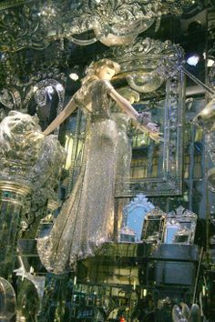 Christmas Window Displays in NYC 2013 | Bergdorf Goodman Christmas windows | NYC at Christmas