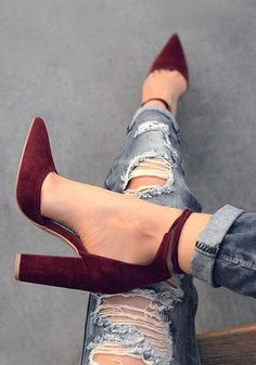 Red Point Toe Chunky Lace-up Elegant High-Heeled Shoes - Schuhe - Modetrends Stilettos, Stiletto Heels, High Heels, Pumps, Suede Shoes, Shoe Boots, Shoes Heels, Pump Shoes, Crazy Shoes