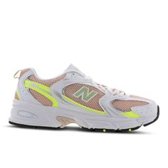 New Balance 530 - Femme Chaussures Foot Locker, Best Sneakers, Shoes Sneakers, Nike Air Max, Streetwear, Baskets, Basket Noir, New Balance Sneakers, Footwear