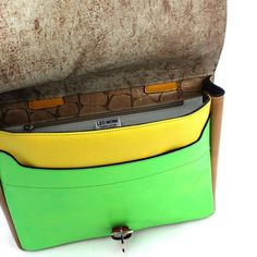 I try to make the interiors of my bags just as interesting as the exterior. It's nice to be surprised  :)