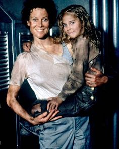 Sigourney Weaver as Ripley with Carrie Henn as Newt in a promo shot for #Aliens (1986).