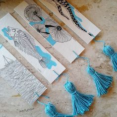 Em produção: marcadores de livro com artes exclusivas @nabila.sukrieh  Logo mais na #lojadocola!