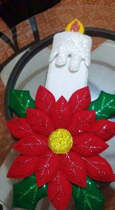 Best 12 Vela navideña – SkillOfKing.Com Christmas Ornament Crafts, Felt Ornaments, Christmas Angels, Holiday Ornaments, Christmas Projects, Christmas Time, Christmas Tree Decorations, Holiday Decor, Homemade Christmas