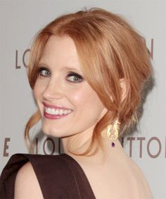 View yourself with Jessica Chastain hairstyles and hair colors. View styling steps and see which Jessica Chastain hairstyles suit you best. Jessica Chastain, Strawberry Blonde Hair, Pretty Hairstyles, Men's Hairstyle, Funky Hairstyles, Formal Hairstyles, Wedding Hairstyles, Celebrity Hairstyles, Textured Hair
