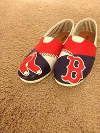 Items similar to Boston Red Sox Toms on Etsy Baseball Crafts, Baseball Mom, Sock Crafts, Crafts To Do, Boston Sports, Boston Red Sox, Basketball Uniforms, Basketball Hoop, Painted Toms