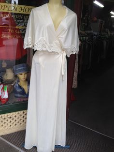 1970s Cream Dressing gown by JulieVintageBoutique on Etsy