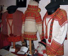 Korsnäs is a municipality on the western coast of Finland. The people (of Swedish descent) continue many of their traditions, including tapestry crochet. Tapestry Crochet, Knit Crochet, Knit Sweaters, Men Sweater, Ravelry, Caron Yarn, Western Coast, Nordic Art, Textiles Techniques