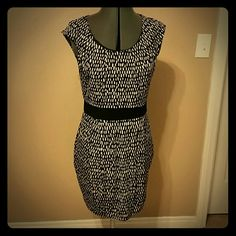 Dress Great party dress, above the knee, smooth stretch, very flattering and fun! Forever 21 Dresses