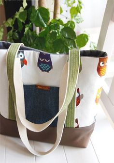 Easy Canvas Tote Bag with Pocket. Step by step DIY Tutorial. Sacs Tote Bags, Diy Tote Bag, Canvas Tote Bags, Tote Bags For College, Diy Bags Patterns, Tote Bag With Pockets, Diy Bags Tutorial, Owl Bags, Bag Pattern Free