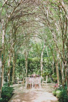 Forest setting: http://www.stylemepretty.com/2014/11/04/modern-meets-vintage-garden-inspiration/ | Photography: Katie Pritchard - http://katiepritchardphoto.com/