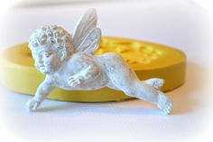 0378 Flying Cherub Angel Silicone Rubber Flexible Food Safe Mold Mould-resin, clay, soap, wax, fondant, candy, chocolate, butter pat $9.00