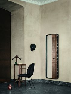 GUBI // Adnet Rectangulaire L in black, Beetle Chair and Cobra Wall Lamp