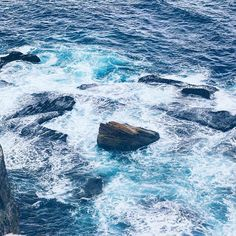 How relaxing is it to sit on the rocks and listen to the sound of the ocean 🌊 whooshing against the rocks? I find it really calming…