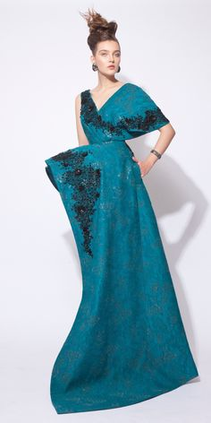 Azzi & Osta Fall-winter 2015-2016 - Couture - http://www.orientpalms.com/Azzi-Osta-5976