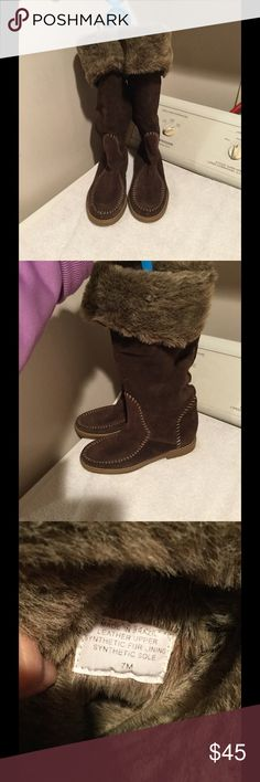 Jack Rogers winter boots. Good used condition tall warm and comfy boots. Jack Rogers Shoes Winter & Rain Boots