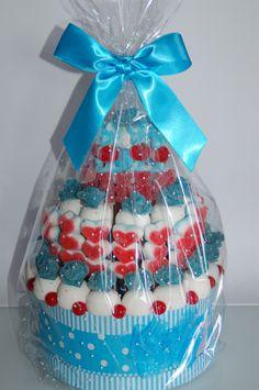 tarta de chuches azul - Buscar con Google Candy S, Candy Buffet, Valentino, Baby Shower, Birthday, Cake, Sweet, Google, Party