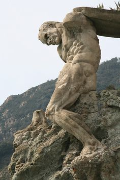 Hercules of Monterosso al Mare, Cinque Terre, Liguria - Italy. Cinque Terre, Ancient Art, Ancient History, Stone Statues, Hercules, Oeuvre D'art, Sculpture Art, Street Art, Beautiful Places