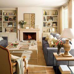 Aquí parece que ha vuelto el invierno, así que nada como un buen sofá con manta.  Fotografía: #FerranFreixa Estilismo: @gabrielacondeankli Este salón es un proyecto de @lasiks