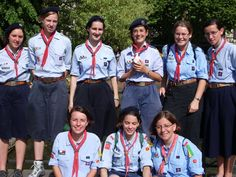 Ranger Guides from the AGSE in France (member of the FSE) Girl Scout Uniform, Girl Scout Troop, Girl Scouts, Guides Uniform, Gs World, Les Scouts, Brownie Guides, Brownie Scouts, World Thinking Day