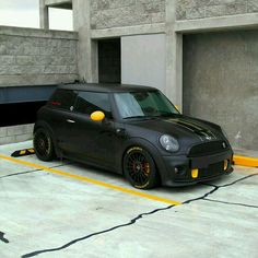 Love the small accents on this matte black Mini.