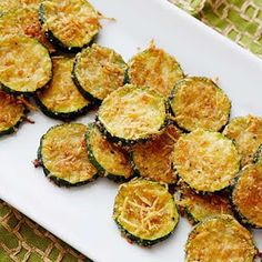 Zucchini Parmesan Crisps Recipe from Food Network. Summer's coming---I'm ready for zucchini! This looks so good and healthy, too. I'd love this with some homemade lasagna or even as an appetizer, with some savory spaghetti sauce. Healthy Snacks, Healthy Eating, Healthy Recipes, Clean Eating, Healthy Appetizers, Side Recipes, Diabetic Recipes, Delicious Recipes, Phyllo Appetizers