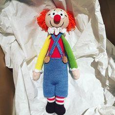 . . Harald der Clown ist auch fertig  und geht morgen in sein neues Zuhause.  . Als Grundlage habe ich lalylalas Bina genommen.  . .