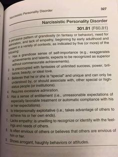 Narcissistic Personality Disorder Does this sound like anyone or President you know. Narcissistic People, Narcissistic Behavior, Narcissistic Sociopath, Narcissistic Tendencies, Narcissistic Mother, Lack Of Empathy, Narcissistic Personality Disorder, Psychology Facts, Science