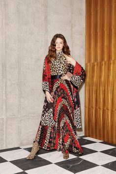 Alice + Olivia Resort 2019 Fashion Show Collection: See the complete Alice + Olivia Resort 2019 collection. Look 5 Star Fashion, Fashion News, Runway Fashion, Alice Olivia, Spring Summer Fashion, Autumn Fashion, Fashion Prints, Fashion Design, Vogue