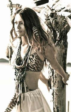 ➳➳➳☮American Hippie Bohemian Boho Bohéme Feathers Gypsy Spirit Style - B & W