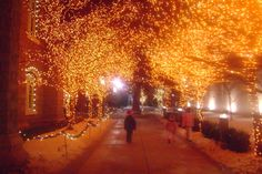 Temple Square Christmas lights. Wonderful memories.                      Photo from Diary of a Quilter blog