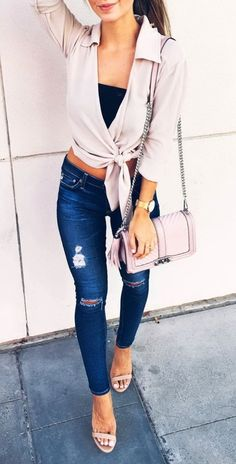 http://blog.styleestate.com/fashion-estate/2016/9/20/whats-trending-31-outfits-fw-2016