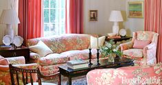 Floral sofas that prove the classic print is timeless. Home Design, Interior Design, Sofas, Couches, Floral Couch, Sofa Tables, Southern Belle, Modern Sofa, Leather Sofa
