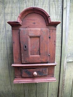 Rare Primitive Antique Hanging Wall Cupboard w Tombstone Top in Old Surface Primitive Country Homes, Primitive Bedroom, Primitive Furniture, Primitive Antiques, Country Furniture, Antique Furniture, Home Furniture, Furniture Price, Antique Chairs