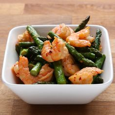 Shrimp and Asparagus Stir Fry. Healthy and delicious - under 300 calories.
