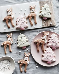 If you haven't had a Christmas cookie decorating party, you are missing out on one fun holiday event. Get inspired with these creative Christmas cookies (and some cakes, too! Christmas Mood, Noel Christmas, Merry Little Christmas, Pink Christmas, Christmas Desserts, Christmas Treats, Christmas Baking, Christmas Cookies, Reindeer Cookies