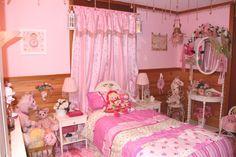 Miss Jazmin's bedroom :)