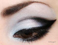 Winged black eyeshadow tutorial