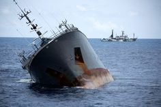 A Renegade Trawler, Hunted for 10,000 Miles by Vigilantes - NYTimes.com